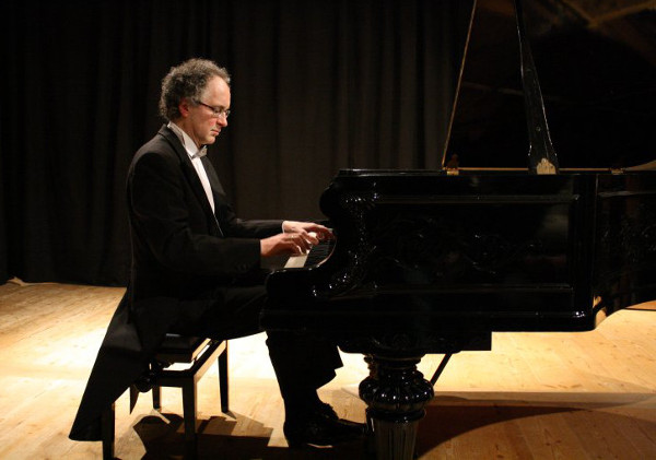 William Cuthbertson am Klavier spielt Chopin - Photo by Hans Jürgen Kugler 1.3.2010
